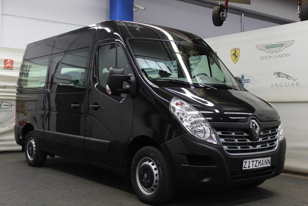 vip service chauffeur renault master 9 sitzer auto. Black Bedroom Furniture Sets. Home Design Ideas